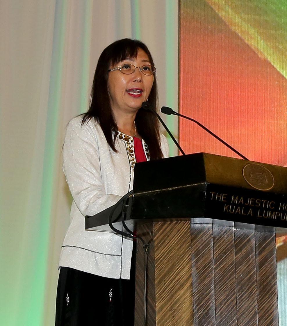 YB Puan Teresa Kok